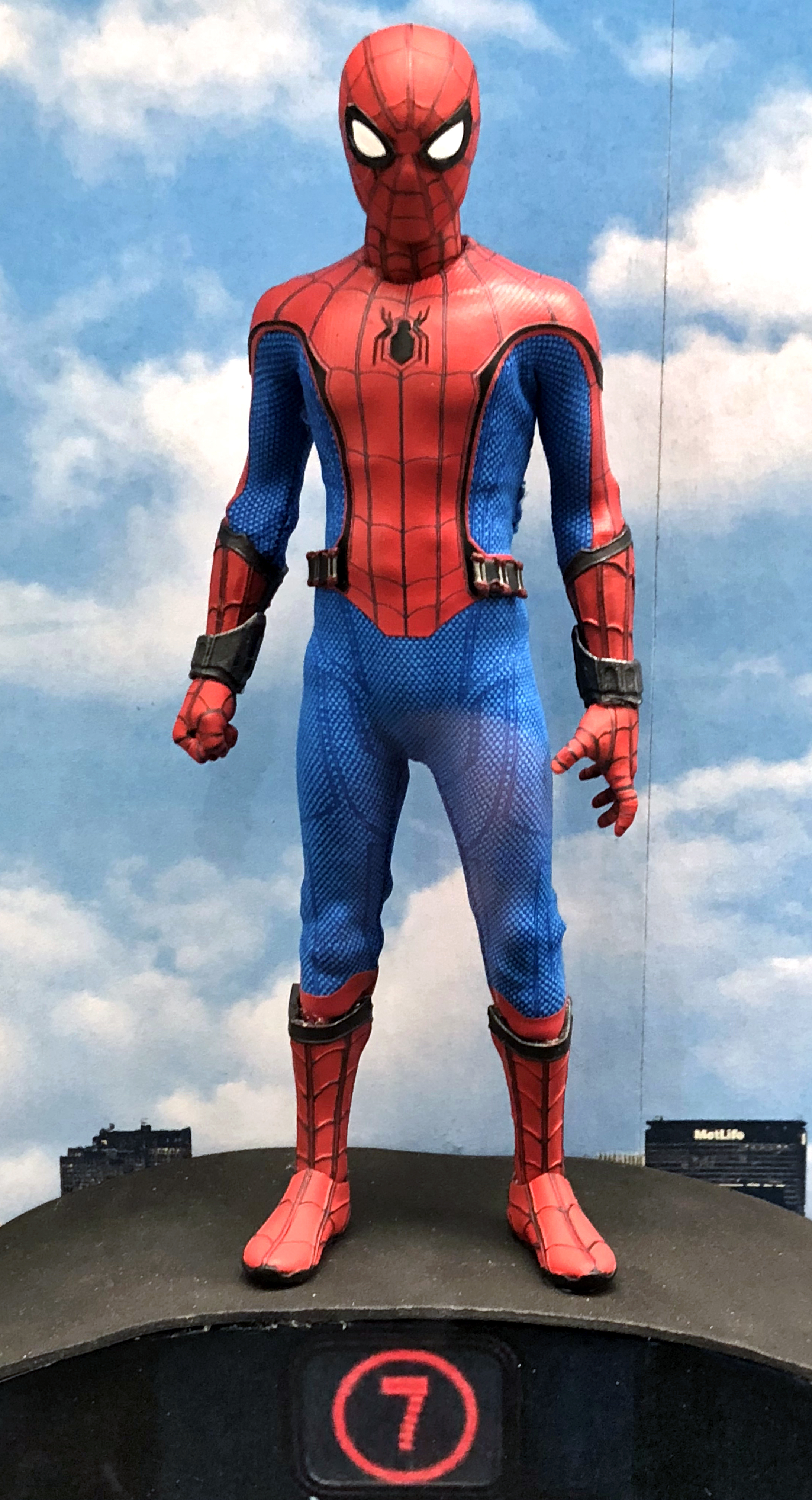 2018 Toy Fair Mezco One Twelve Collective Spider-Man Homecoming 01