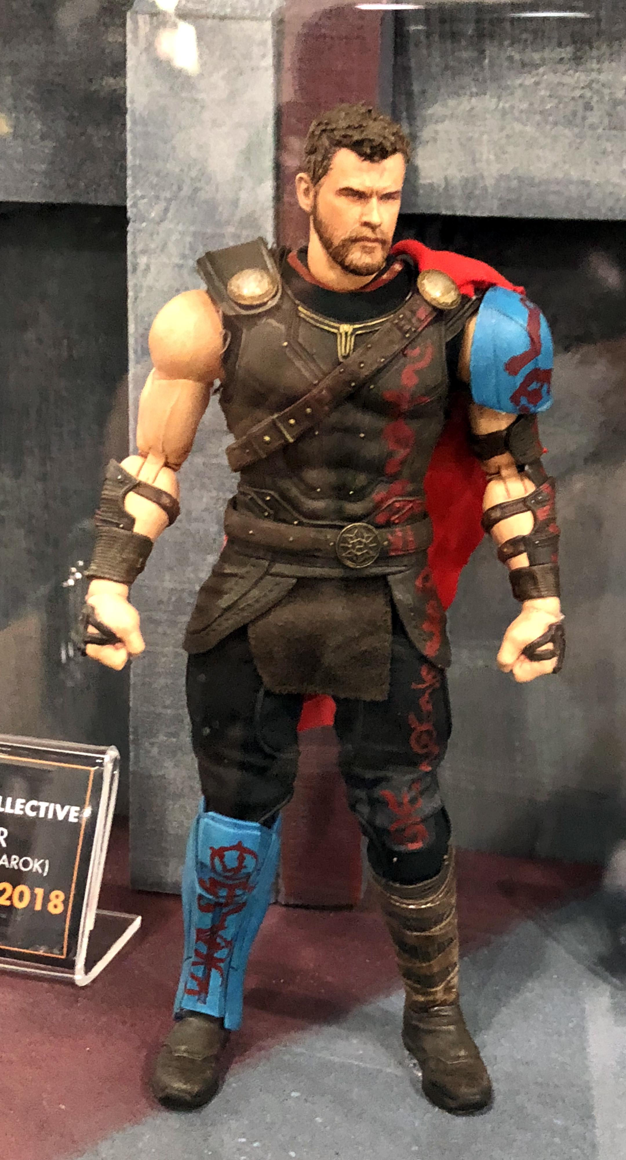 2018 Toy Fair Mezco Thor Ragnarok 01