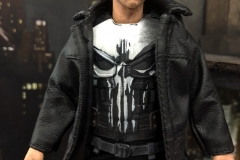 2018 Toy Fair Mezco Netflix Punisher 01