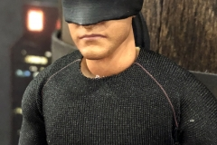 2018 Toy Fair Mezco One Twelve Collective Netflix Daredevil Black Suit 02