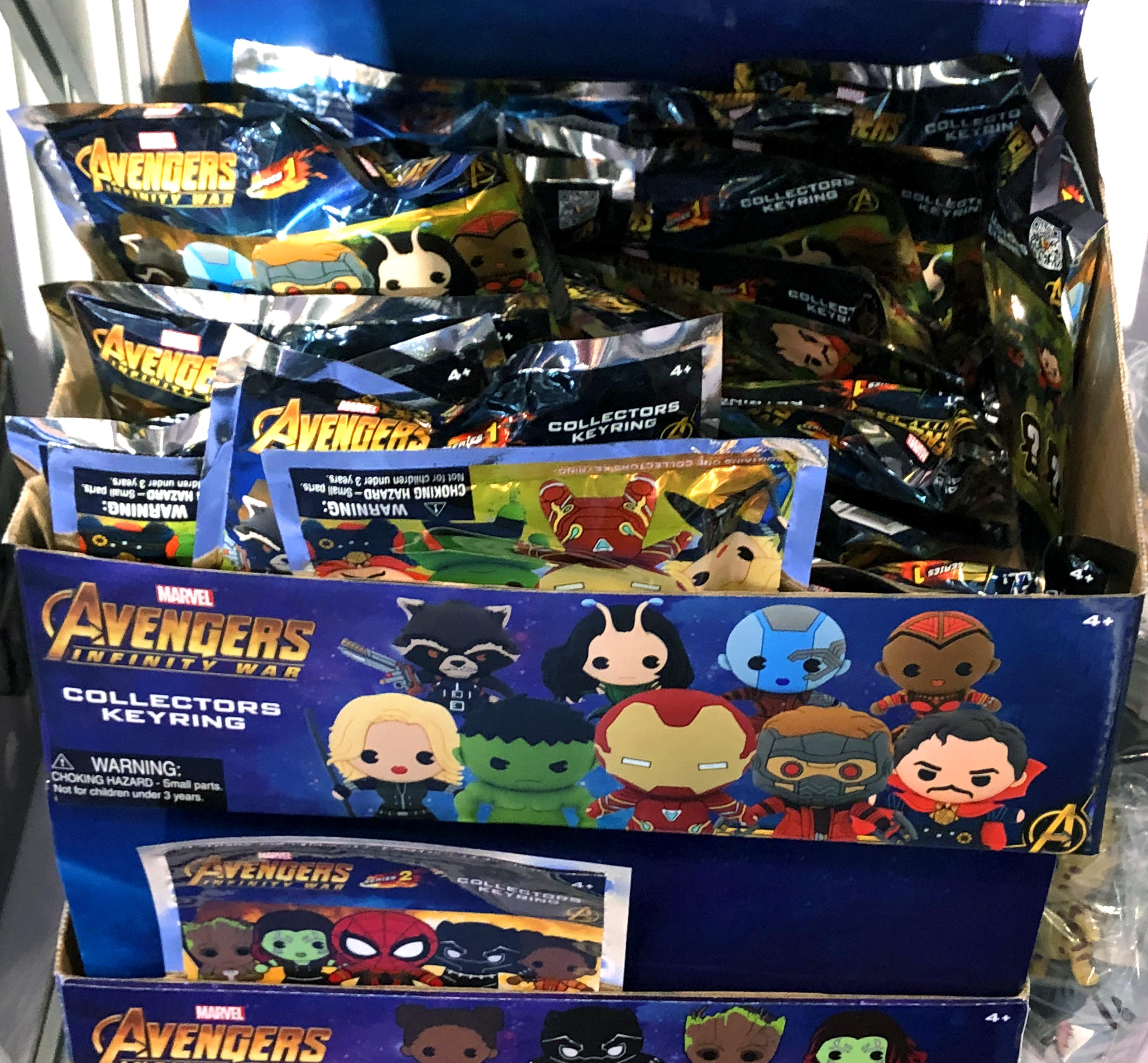 2018 Toy Fair Monogram International Avengers Infinity War Collectors Keyrings 02