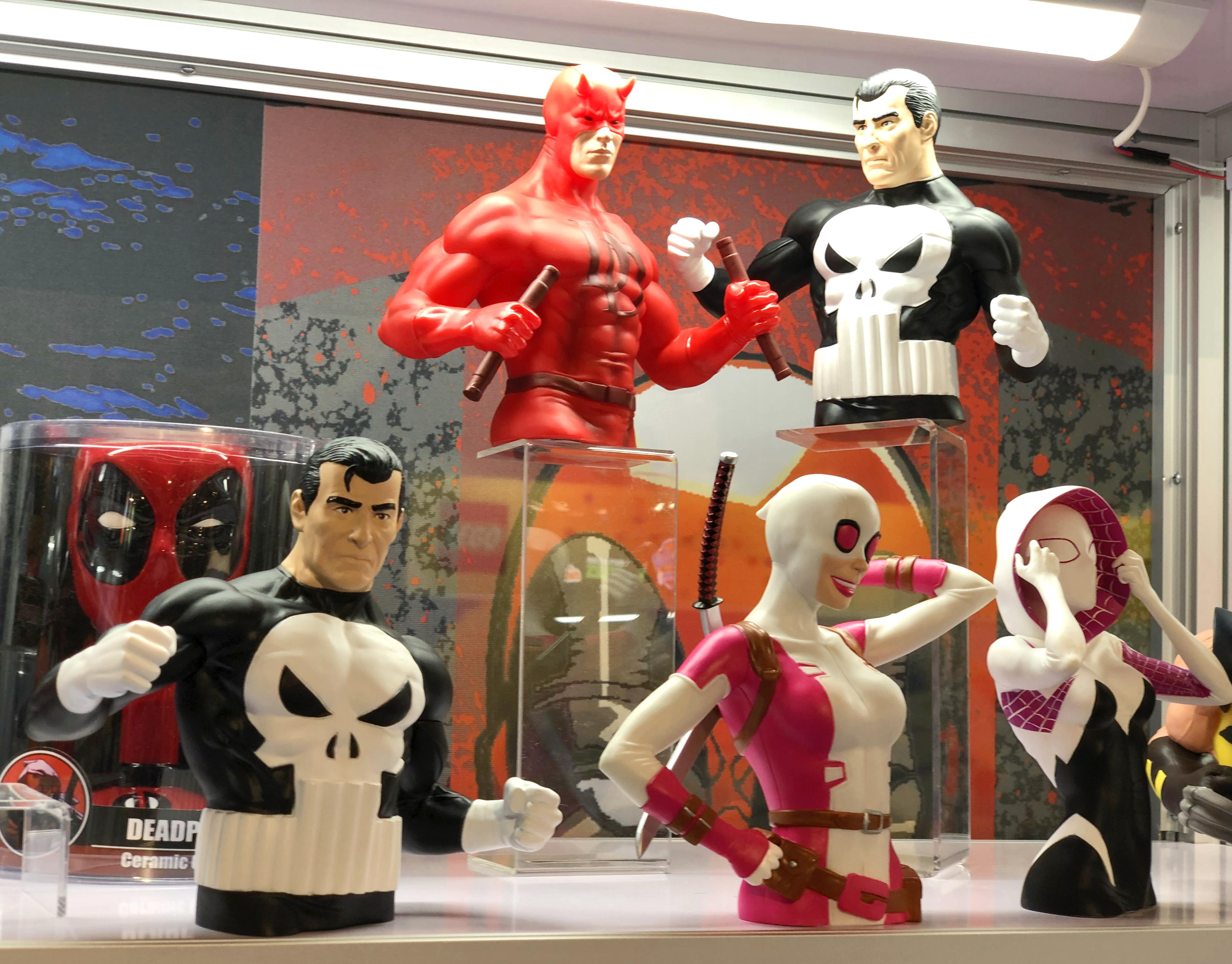 2018 Toy Fair Monogram International Bust Banks 03