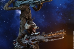Hot Toys - AIW - Groot & Rocket collectible set_PR2