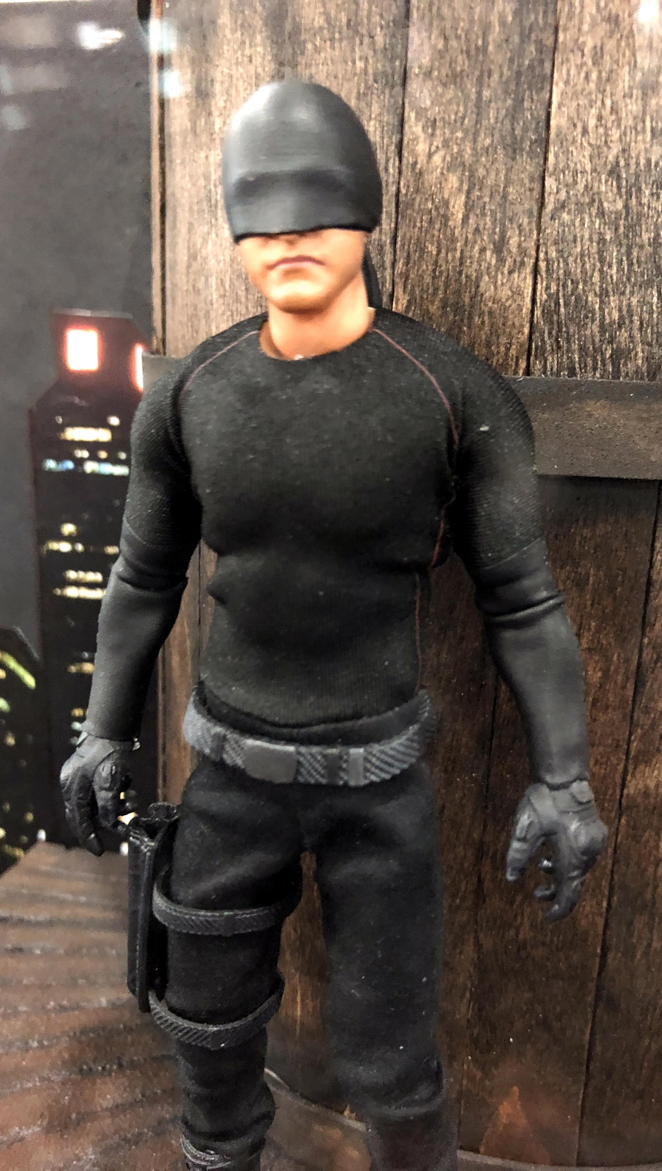 2018 Toy Fair Mezco One Twelve Collective Netflix Daredevil Black Suit 01