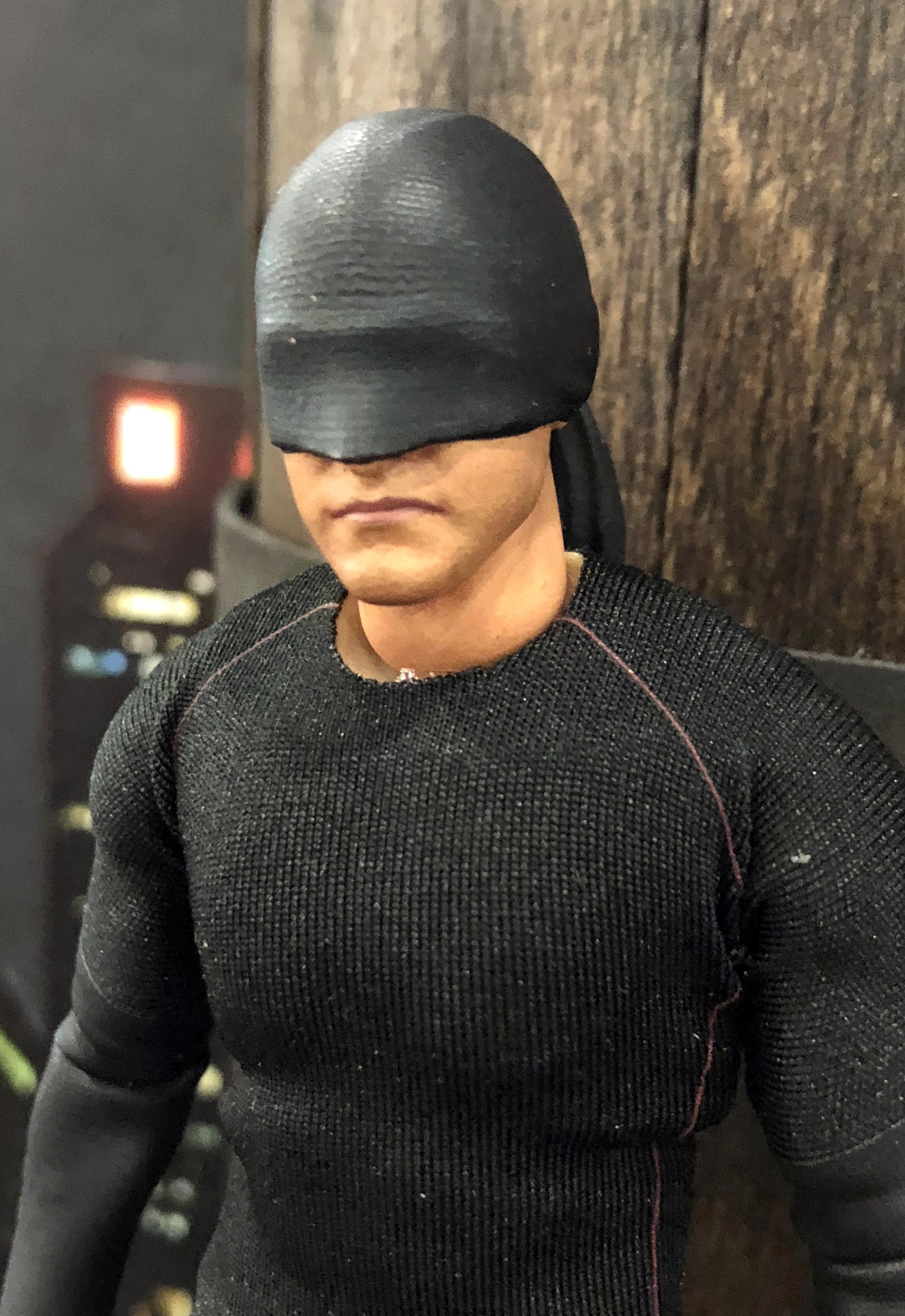 2018 Toy Fair Mezco One Twelve Collective Netflix Daredevil Black Suit 02