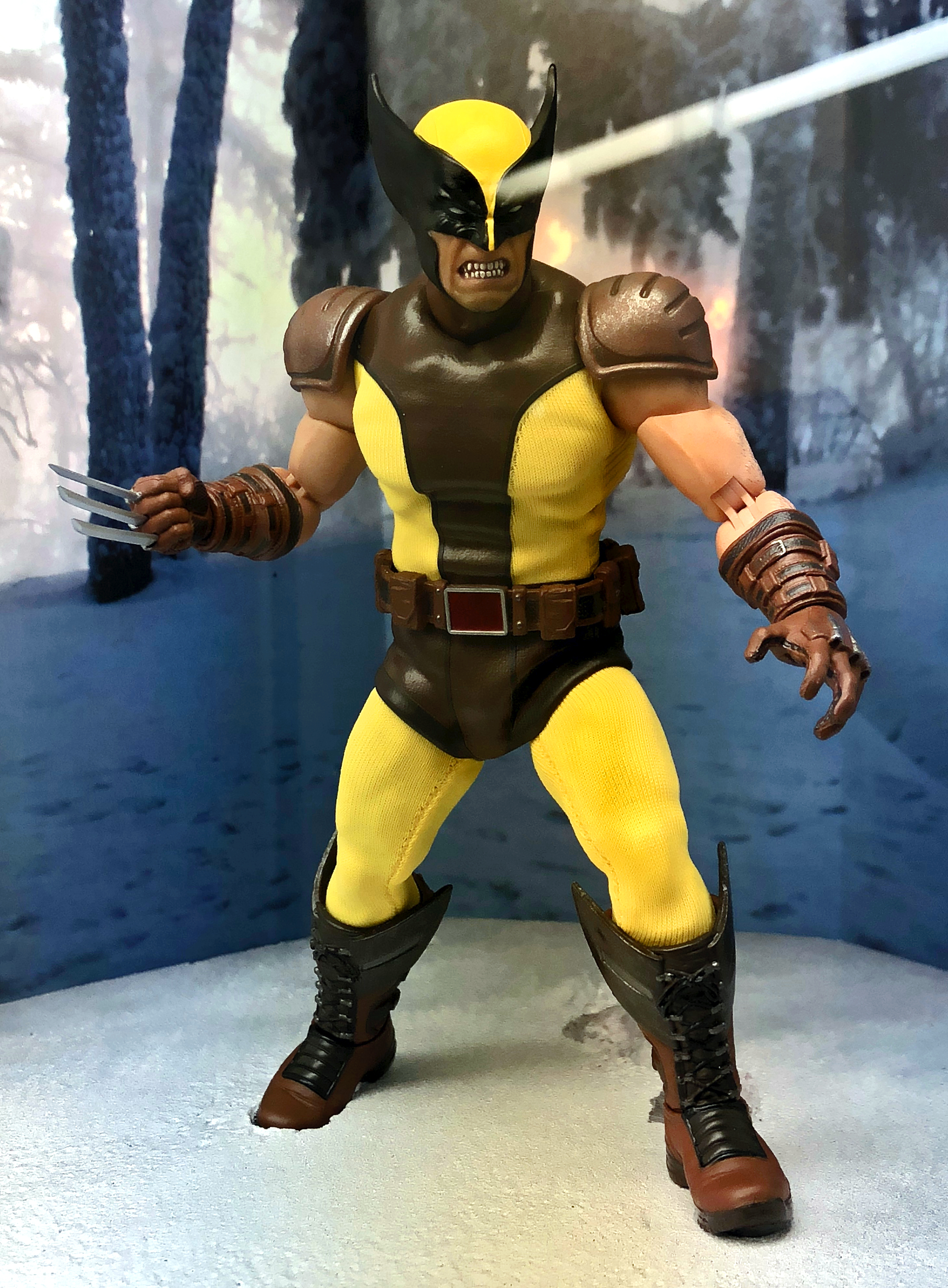 2018 Toy Fair Mezco Wolverine 01