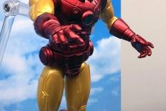 2018 Toy Fair Mezco Iron Man 01